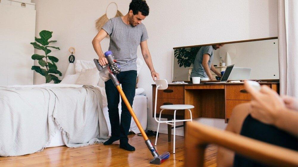 Lau dọn nhà cửa ngày Tết