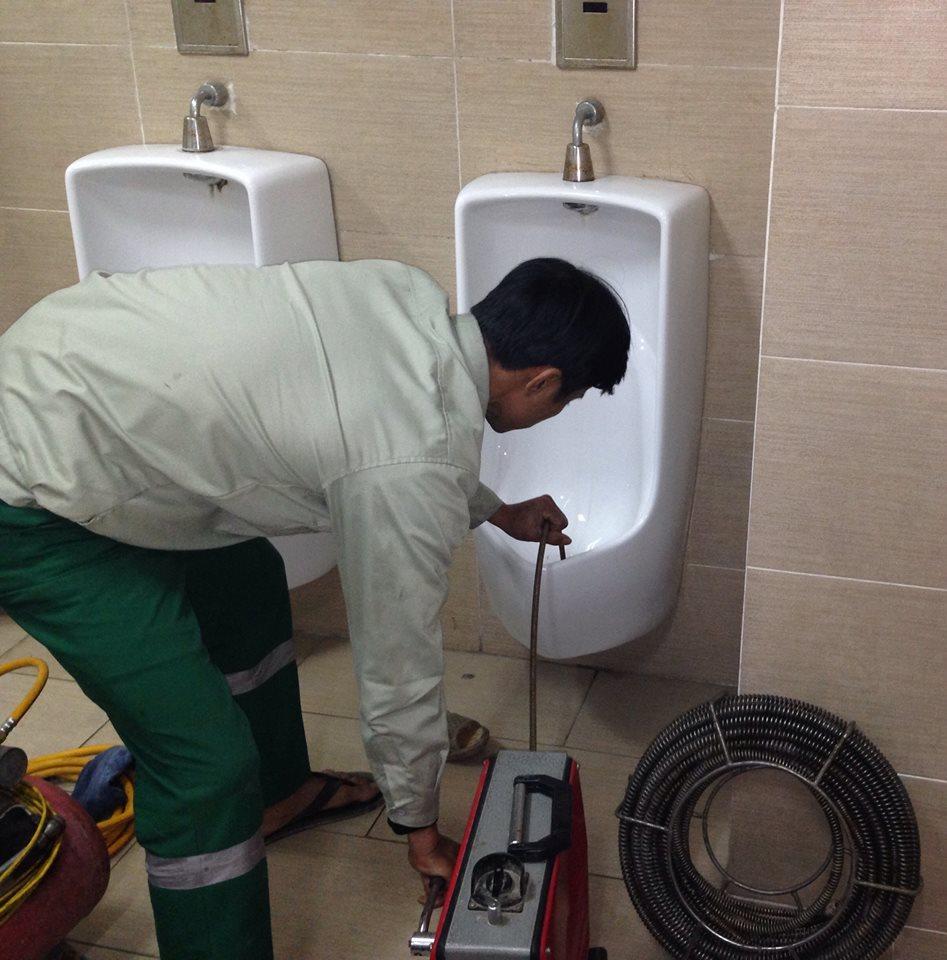 dịch vụ thông tắc vệ sinh chuyên nghiệp giá rẻ tại Hà Nội