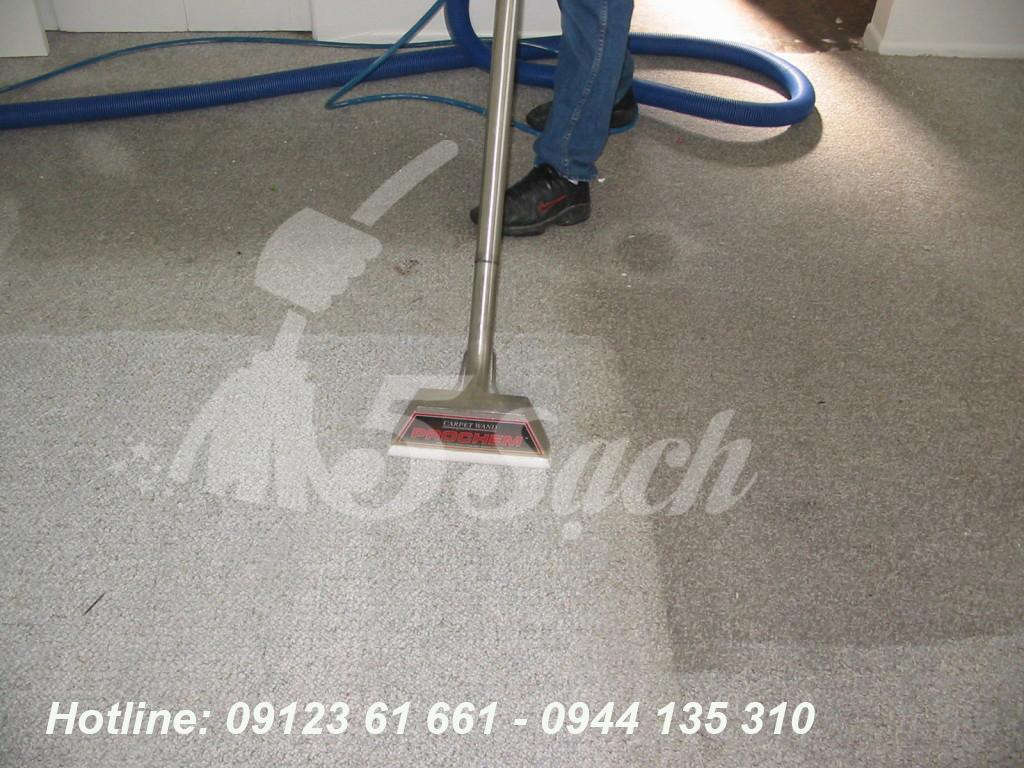 Dịch vụ giặt thảm trải sàn tại nhà giá rẻ