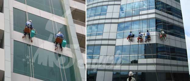 Dịch vụ lau kính tòa nhà cao tầng chuyên nghiệp tại Hà Nội