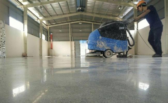 Hóa chất đánh bóng sàn be tông