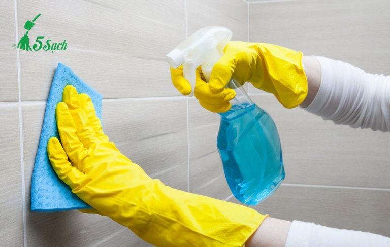 Cách làm sạch tường nhà