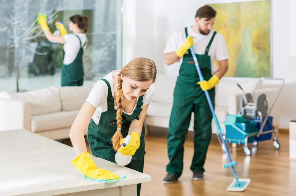 Giá vệ sinh công nghiệp sau xây dựng