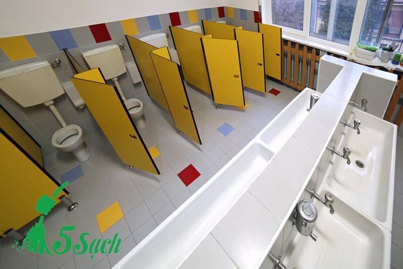Xóa bỏ ám ảnh về nhà vệ sinh công cộng