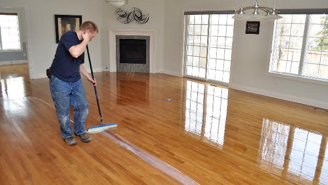Quy trình lau sàn nhà đơn giản