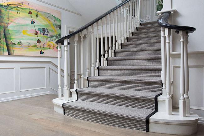 Lợi ích của việc giặt thảm cầu thang thường xuyên
