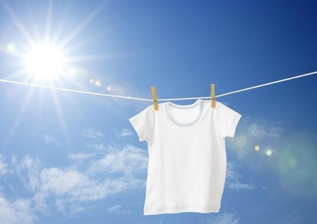 Cách tẩy trắng quần áo bằng Javen