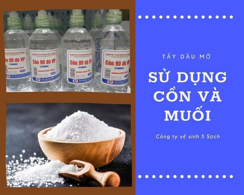 Sử dụng muối và cồn để tẩy dầu mỡ ở quần áo